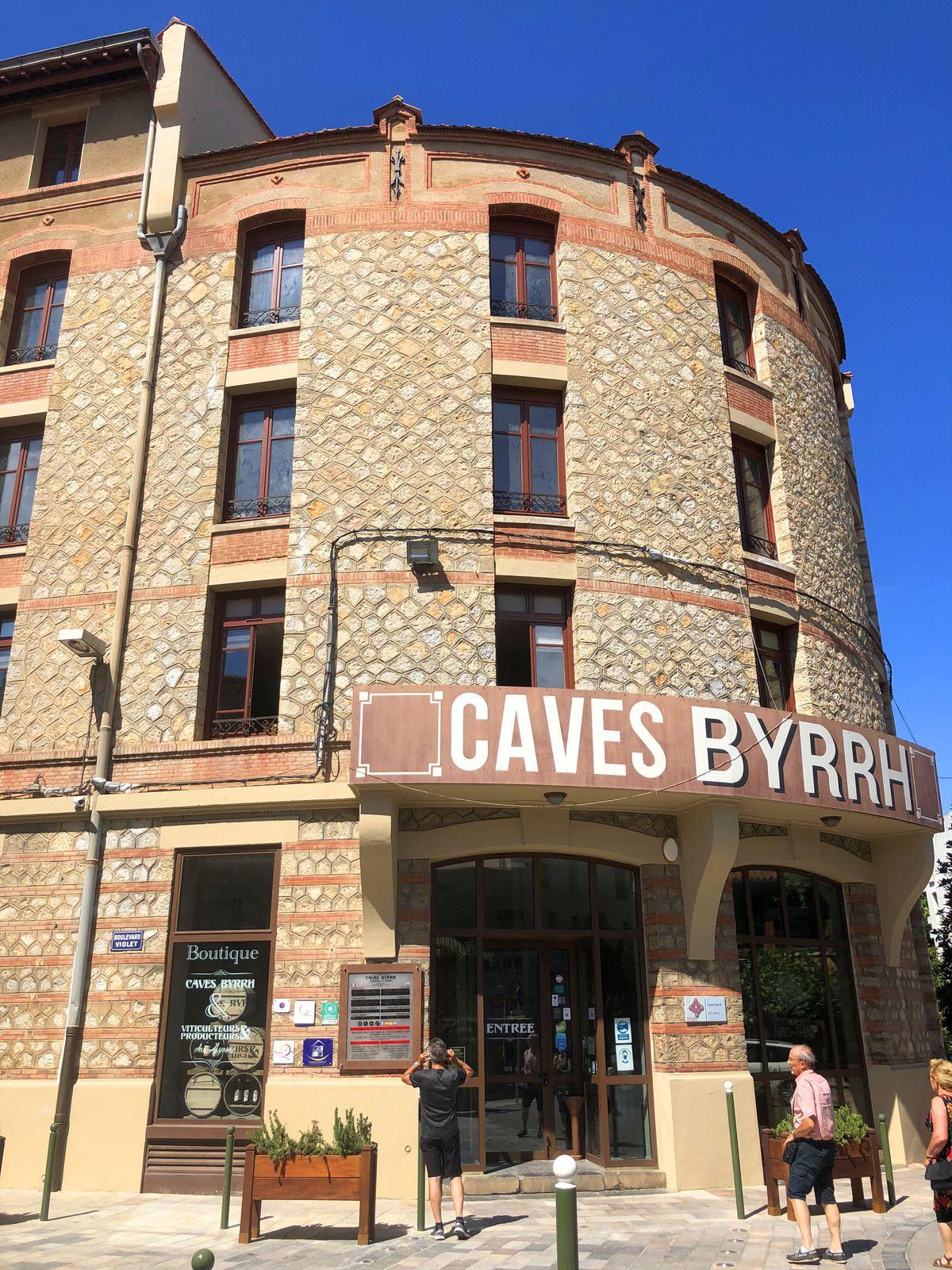 Thuir, Caves de Byrrh dans les PO