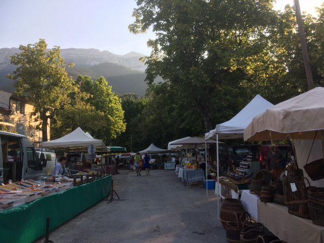 Le marché de Chatillon en Diois