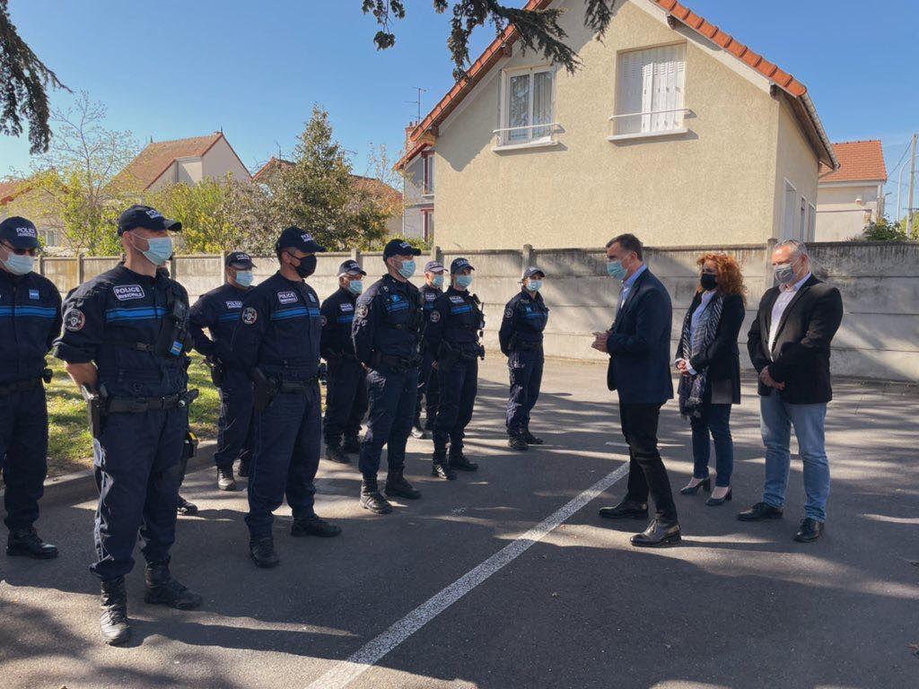 Aulnay-sous-Bois rend un hommage républicain à Stéphanie, policière assassinée à Rambouillet