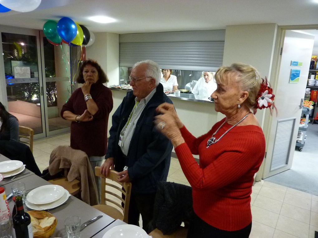 14 juillet 2010 à la Pension. L'association AVEC et la Pension avaient mis les petits plats dans les grands.La Présidente de l'association AVEC, Bernadette BRIZARD, sa Vice-présidente, Alice ROBERT, ainsi que le Trésorier de l'association P