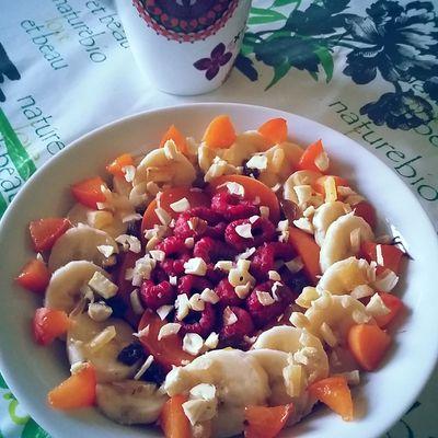 Porridge framboise banane et abricots