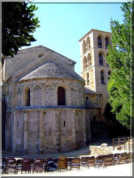 Diaporama abbaye fortifiée de Caunes Minervois