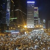 Hong Kong protesters stay on streets