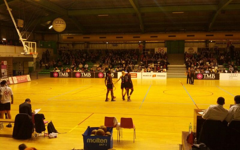 ben just checked in @ Palais des sports (France)