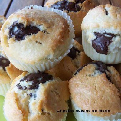 MUFFIN NOIX DE COCO CŒUR CHOCOLAT