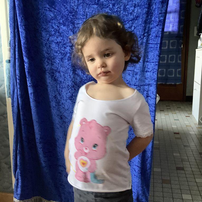 Peinture textile: un T-shirt de Bisounours pour Léa