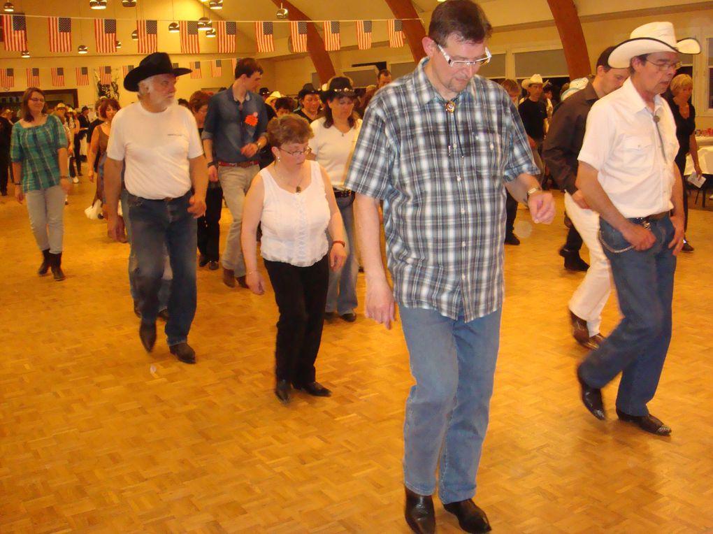 Très beau bal, beaucoup de monde, et 88 danses plus des bonus.