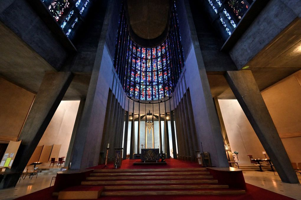 Chœur de l'église ste Thérèse. Photos J-L. Ligiardi.