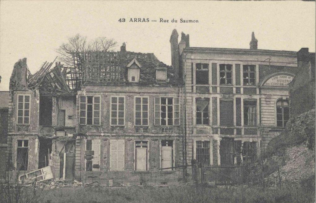 12 rue du Saumon. Georges Trassoudaine, architecte, 1924 - Carte postale : n° 10 et 12 rue du Saumon, bombardement du 21 octobre 1914, source : archives départementales du Pas-de-Calais, collection Georges Bacot.