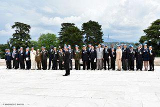 """Le Premier vice-président national de l'UGF, Claude Bartos, s'est vu attribuer la médaille commémorative """"Paix"""", aux Nations Unies à Genève."""