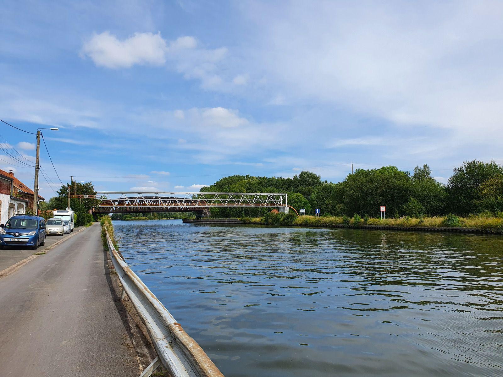 Canal de la Deûle, à Don