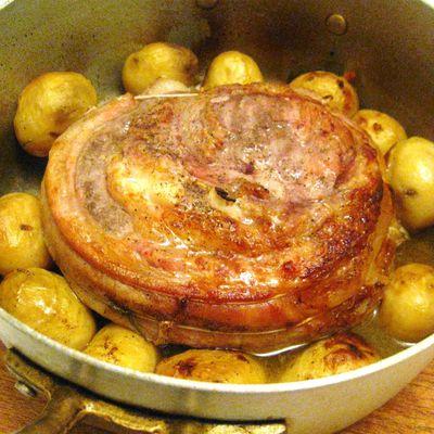 """Arrosto di """"teneroni di vitello"""" con patate"""