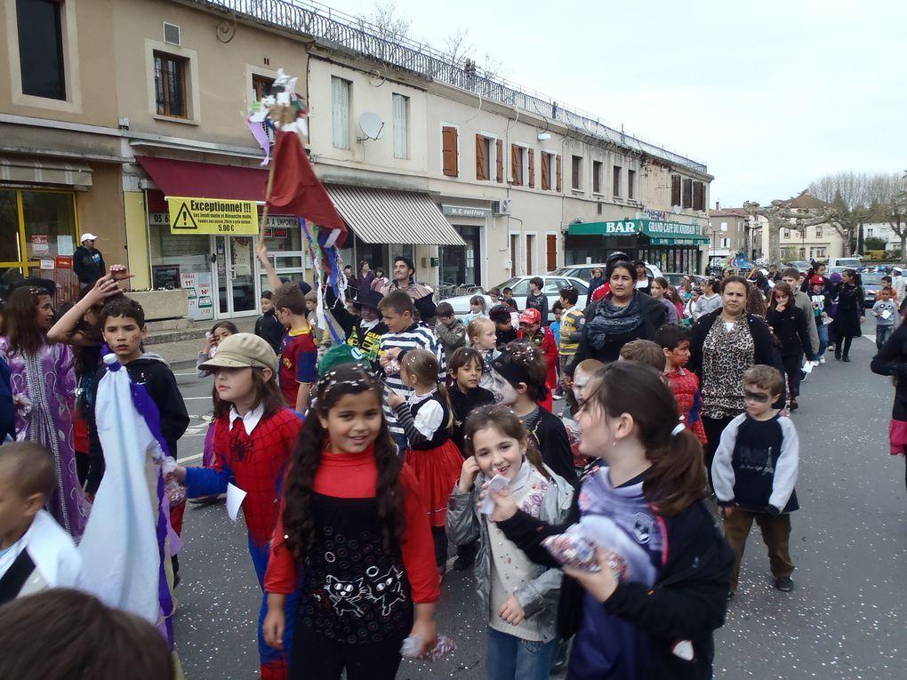 Mercredi 4 Avril fête foraine,pique-nique et défilé