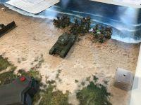 Coup de théâtre , un premier Sherman est stopé par les panzerfausts