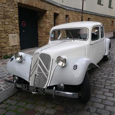 Une voiture chargée d'histoire pour votre mariage !