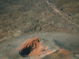 Le volcan photographié depuis l'hélicoptère
