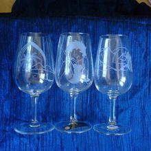 433- Coffret à vin blanc 6 verres gravés divers motifs (7 pcs)  Frs. 120.00  ( motifs sur commande )