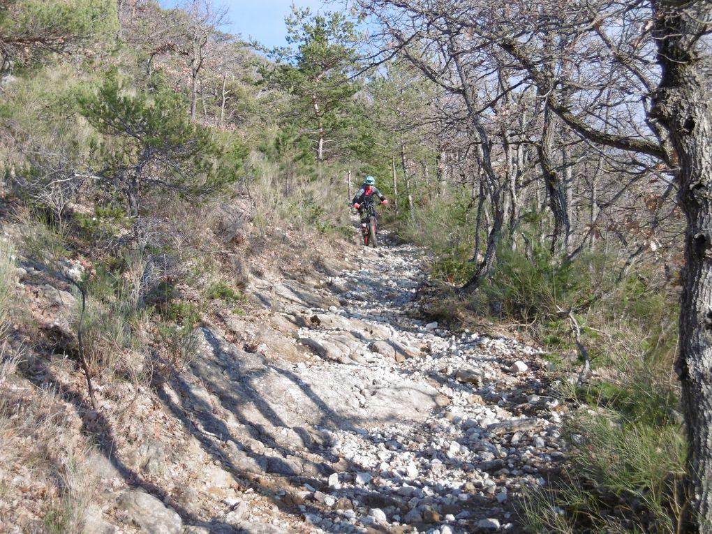 Rando VTT à Dieulefit : parcours n°10 rouge Montagne en panorama (26) le 11/01/2020