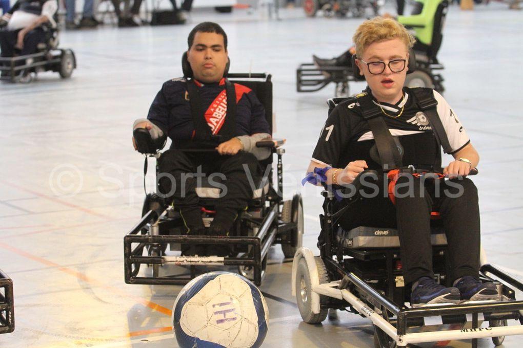 La section foot-fauteuil  d'Handisport Lyonnais  essaye d'exister dans une discipline gourmande economiquement pour des adultes handicapés