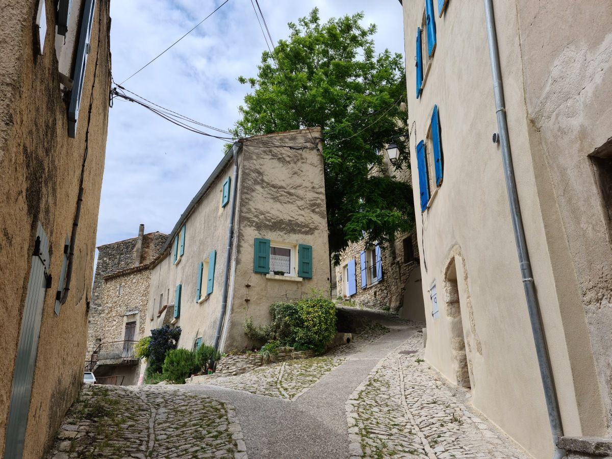"""""""Village et cité de caractère"""" perché des Alpes de Haute Provence"""