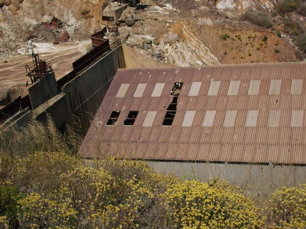 <p>A la d&eacute;couverte des mines en Espagne avec Christian et G&eacute;rard.</p> <p>On y trouve de la baryte bleue.</p>