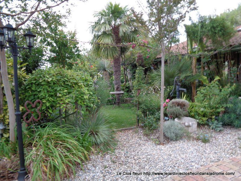 Le jardin Le Clos fleuri en juillet .....2019