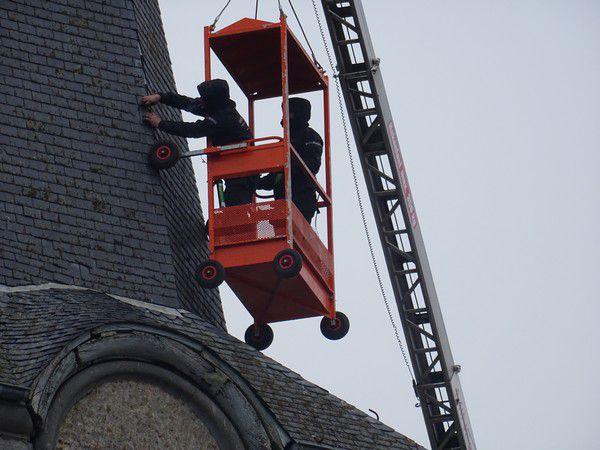 Travaux au clocher de l'église de Bioul en décembre 2020