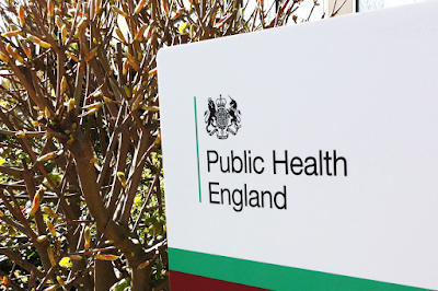 Le dernier rapport du ministère de la santé britannique révèle que les #vaccins Covid-19 AUGMENTENT considérablement le risque d'hospitalisation et de décès dû au #Covid-19