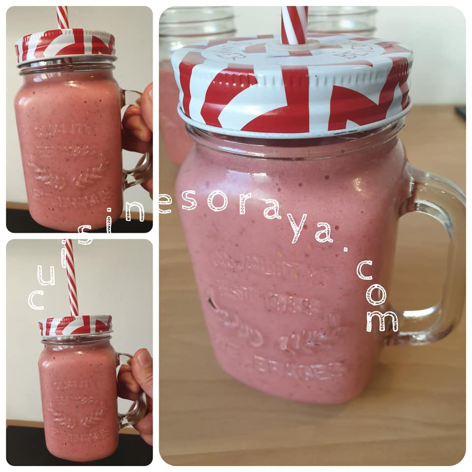 Smoothies fruits rouges et bananes