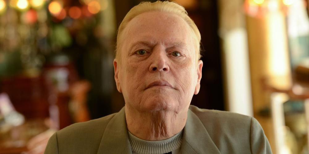 Larry Flynt était cloué dans un fauteuil roulant plaqué or depuis une tentative d'assassinat en 1978. © Crédit photo : CHRIS DELMAS / AFP