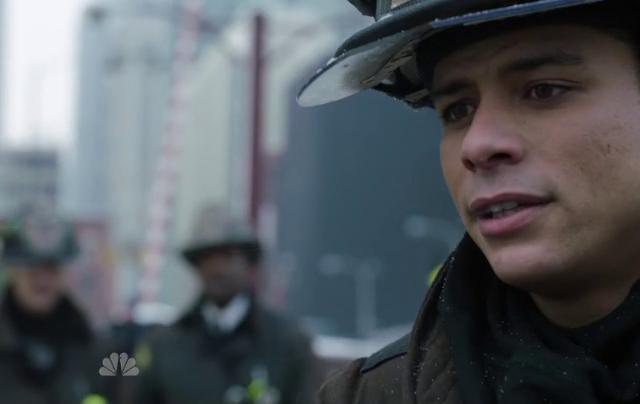 Critiques Séries : Chicago Fire. Saison 1. Episode 17. Better to Lie.