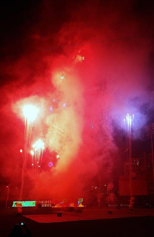 Diaporama : feu d'artifice du samedi soir à l'Autozone Park