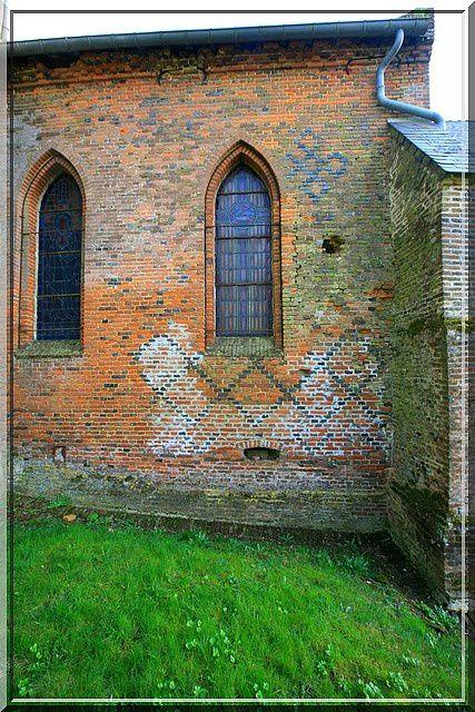 Diaporama église fortifiée de Grandrieux