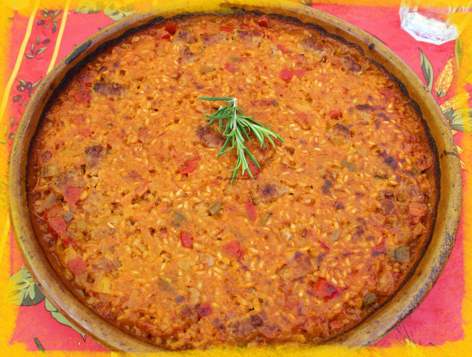 Riz au four avec chipolatas et jambon / recette espagnole