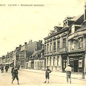 (A8) Cartes Postales Anciennes Calais Les places et rues - www.jepi-dunkerque.fr