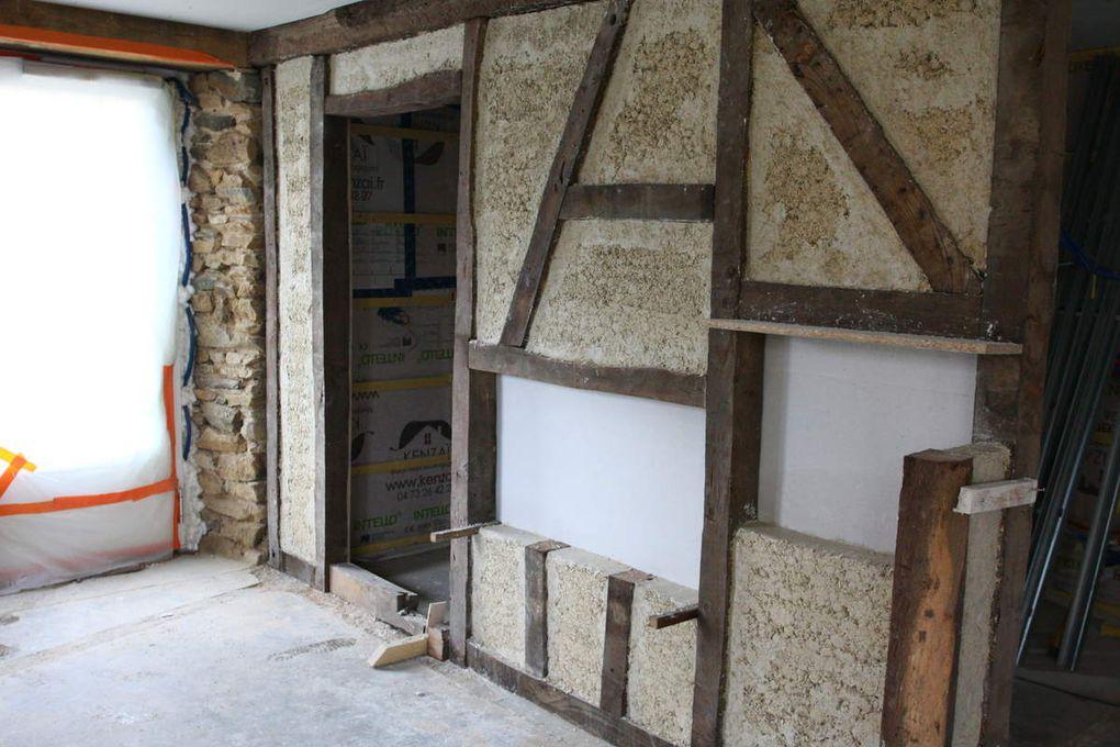 maçonnerie pierre, isolation laine de bois et enduit colombage interieur, enduit chaux chanvre et joint de pierre
