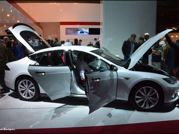 TESLA le tout électrique de luxe au Mondial de l'automobile