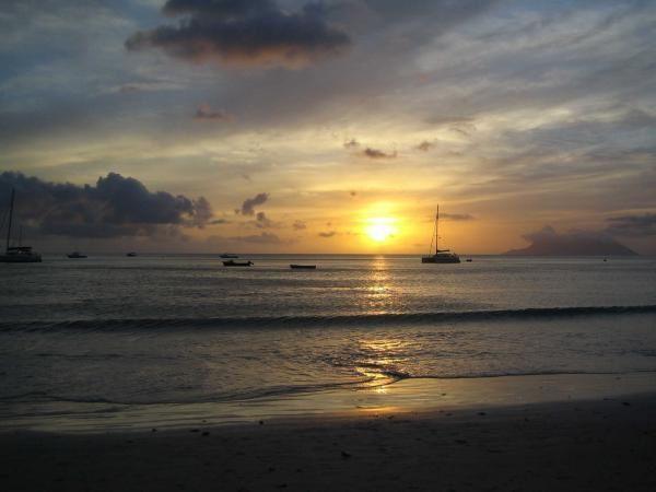 Le ciel et la mer m'ont toujours fascinés..comme une porte vers un autre monde..