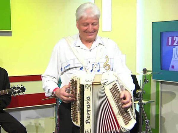 André Loppe, un accordéoniste belge brillant qui a joué avec André verchuren, aimable, et qui se produira à l'Olympia