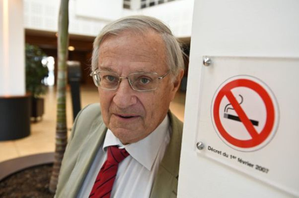 Selon le Professeur Bertrand Dautzenberg, la vape est infiniment moins addictogène que le tabac