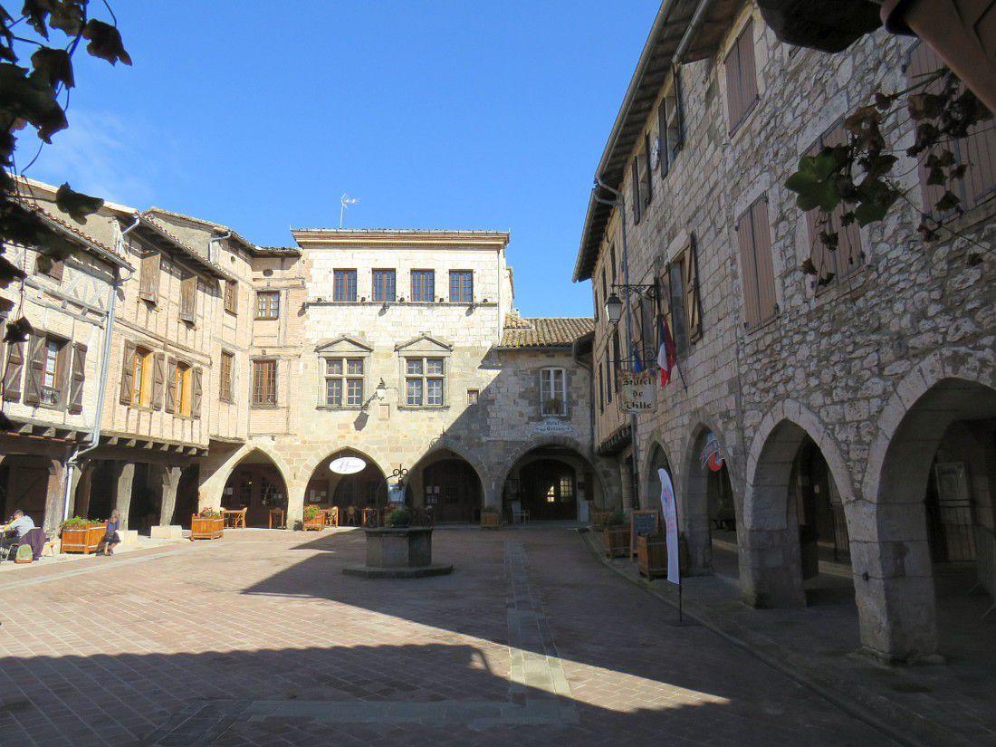 Cité médiévale fondée en 1222 par Raymond VII, comte de Toulouse,
