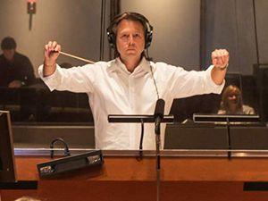 Laurent eyquem, un auteur de musiques de films québécois qui continue en décembre 2020 faisant suite à un rythme soutenu de films et séries télévisées