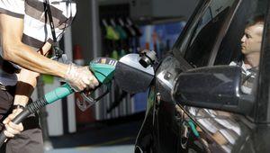Madrid prohíbe las gasolineras sin empleados