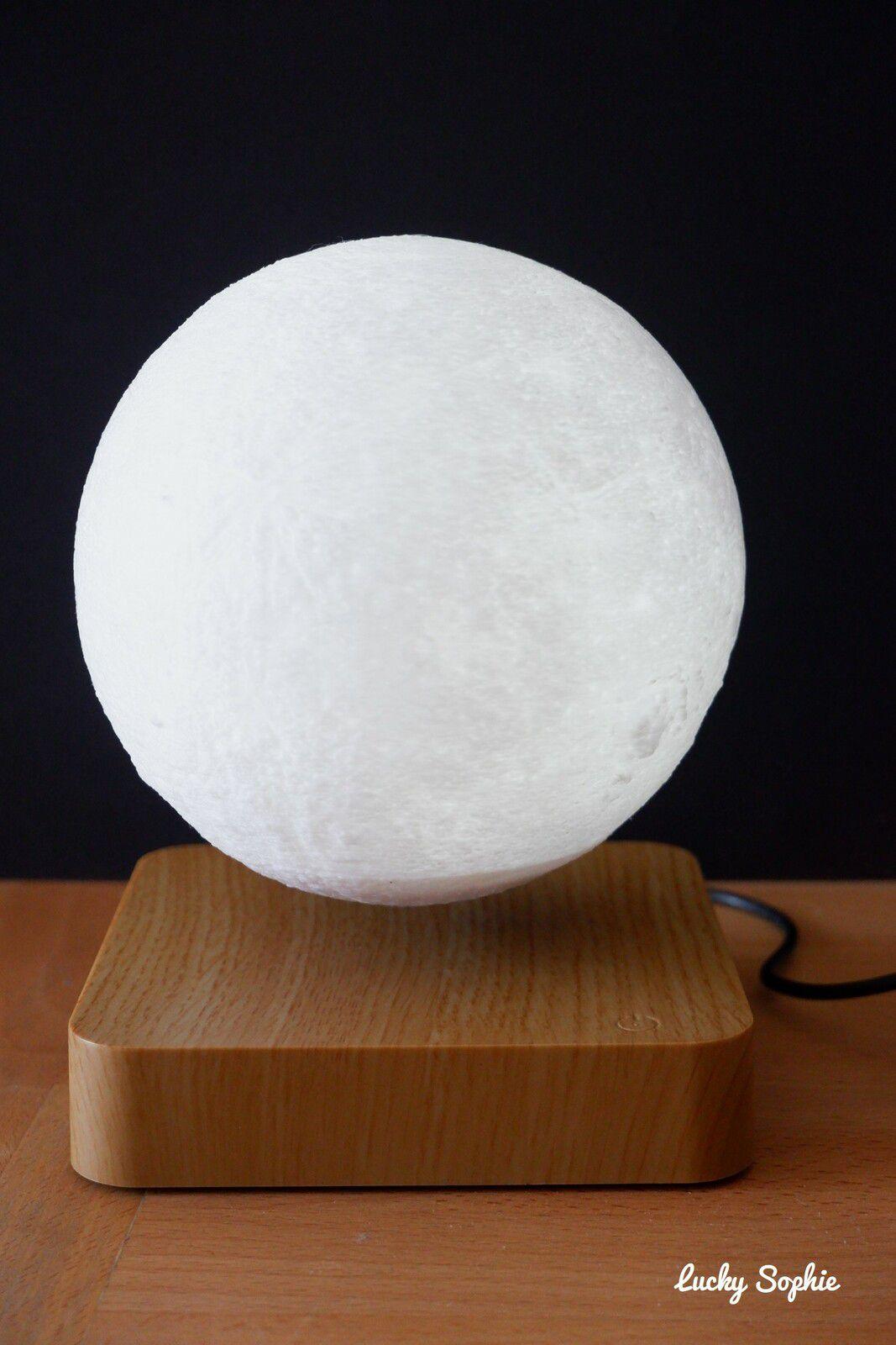 La lune en lévitation de Lulu Veilleuse