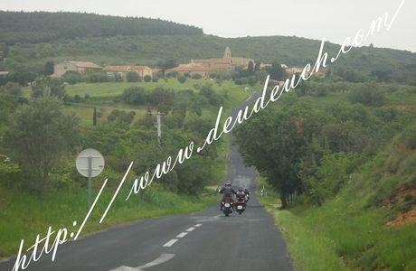 Balade moto dans les Pyrénées Orientales et l'Aude: Rennes le Chateau Bugarach, Saint Paul de Fenouillet