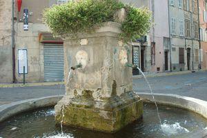 Une santonnière de renom : Colette BARLES