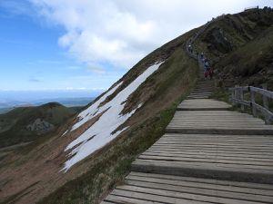 Très impressionnante la montée vers le Sancy : magnifique vue sur le Mont-Dore.
