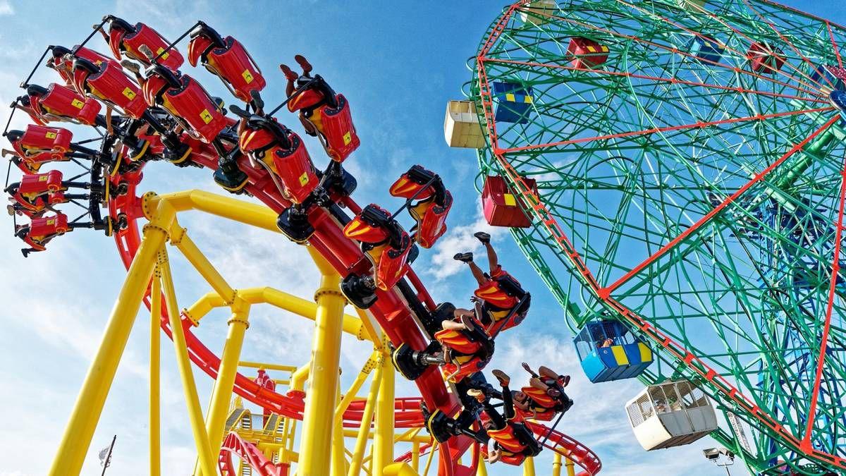 © Deno's Wonder Wheel Amusement Park