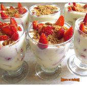 Verrines printanières fraises spéculoos comme un tiramisu - www.sucreetepices.com