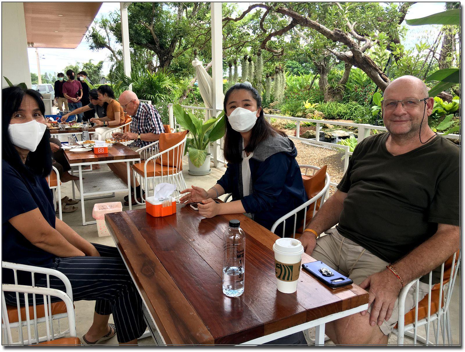 """Restaurant """"J'aime"""" sur la rocade Ouest de Khon Kaen"""